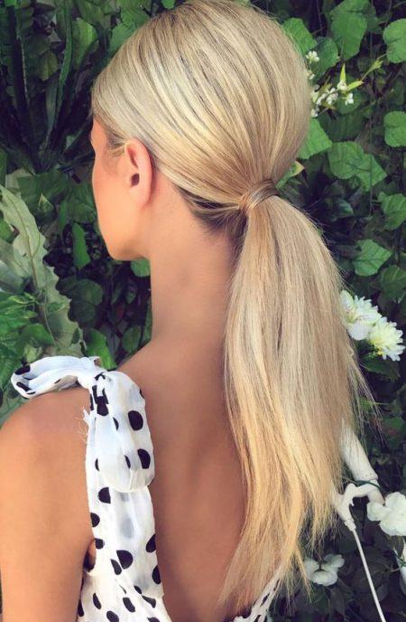 Coleta baja lisa peinados de boda